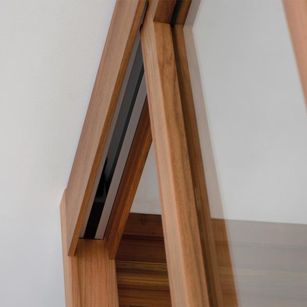 un atelier d 39 artiste pour am nager vos espaces embois verri re. Black Bedroom Furniture Sets. Home Design Ideas